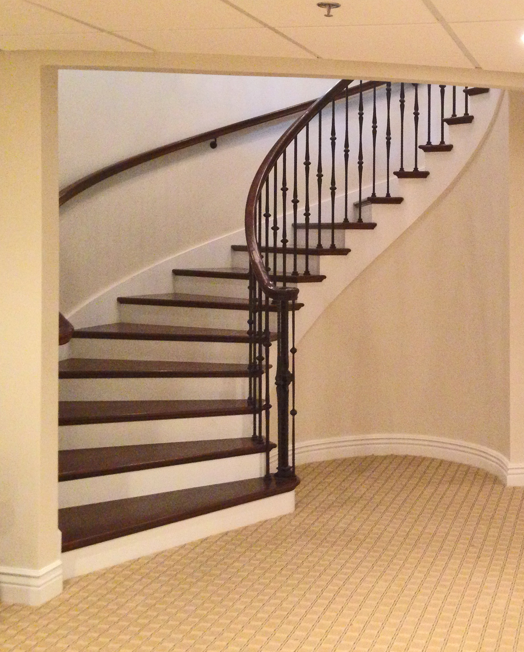 The Circular Stair A Viable Alternative To Straight Narrow Staircase Diagram Classic Stairs And Remodeling Simon Oswald Architecture