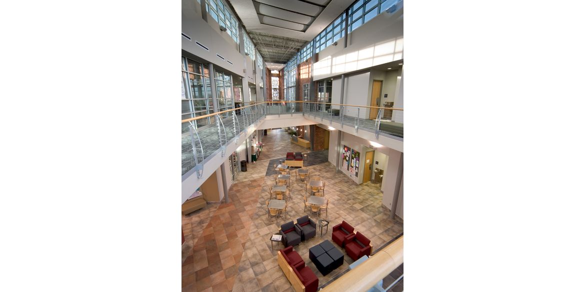 Columbia College – Atkins Holman Student Commons – int. 2 – RF
