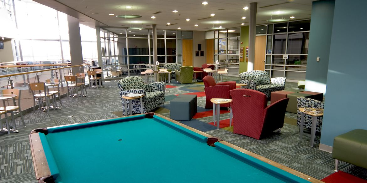 Columbia College – Atkins Holman Student Commons – int. 3 – RF